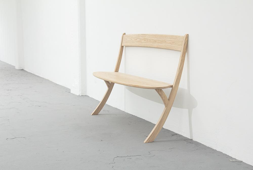 leaning_bench_izabela_boloz